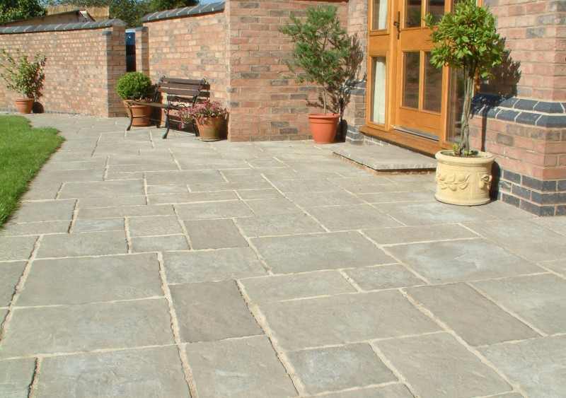 Rutland slabs whalebone building paving centre for Paving stone garden designs